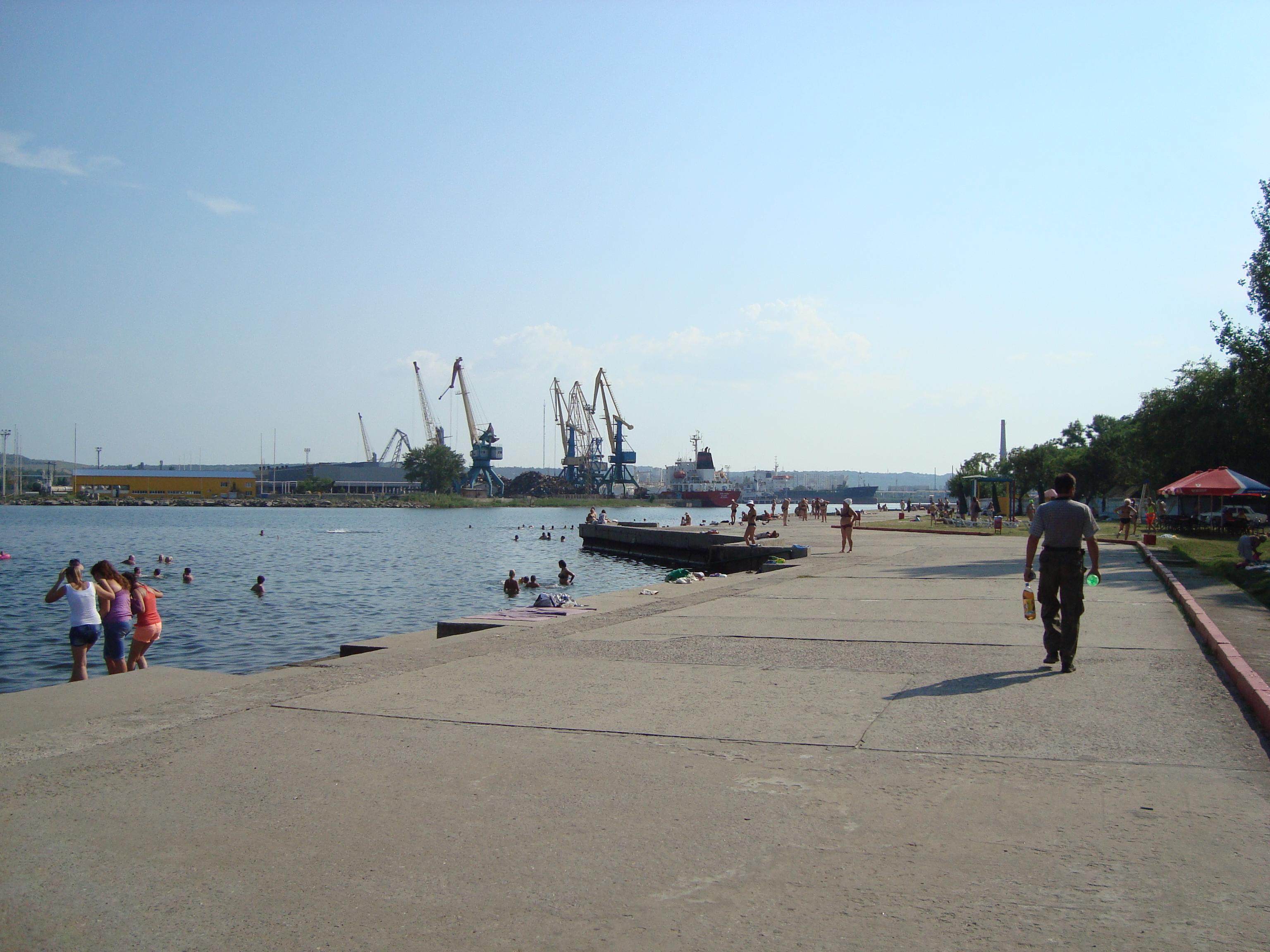 У берегов Крыма столкнулись яхта и скоростной катер, есть погибшие